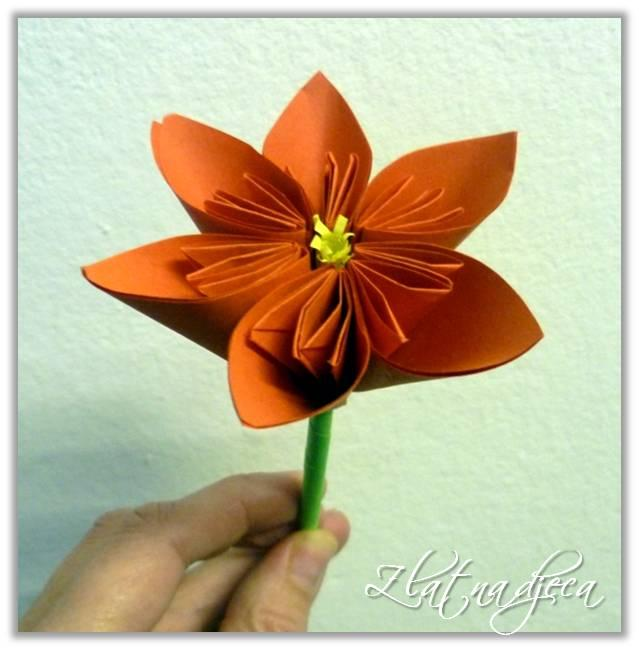Cvijet od memo-papirića