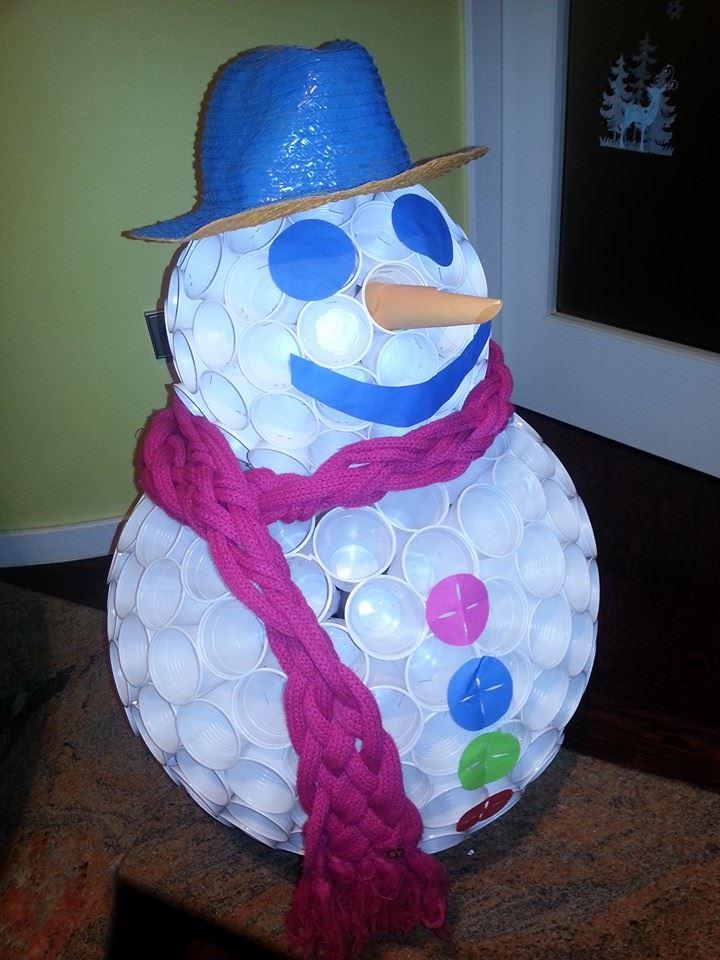 Super veliki snjegović u klubu Jump