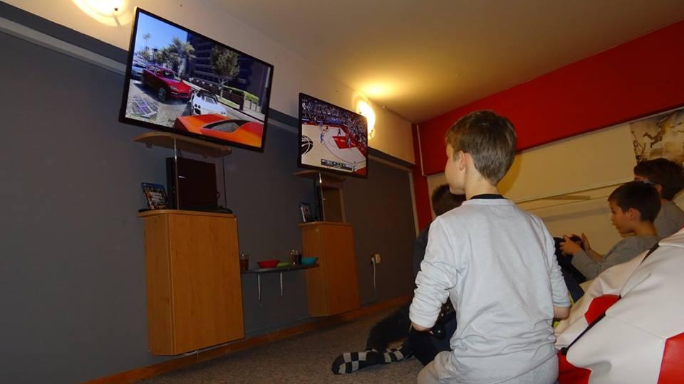 Play Station 4 Igraonica OKTOGON slika