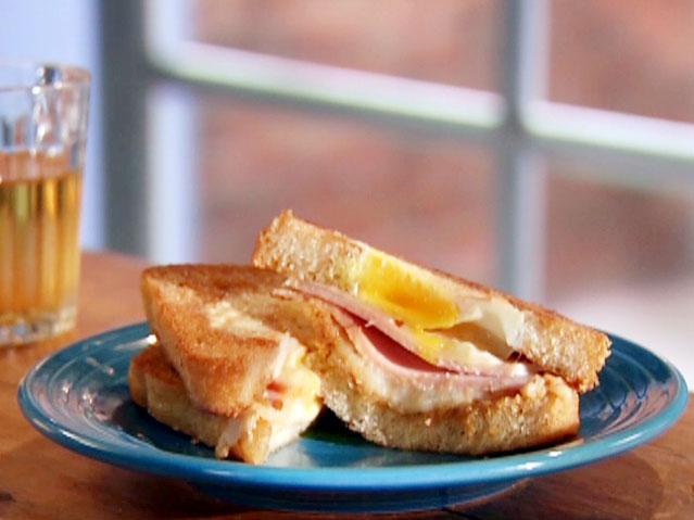 Tost sendvič s jajima