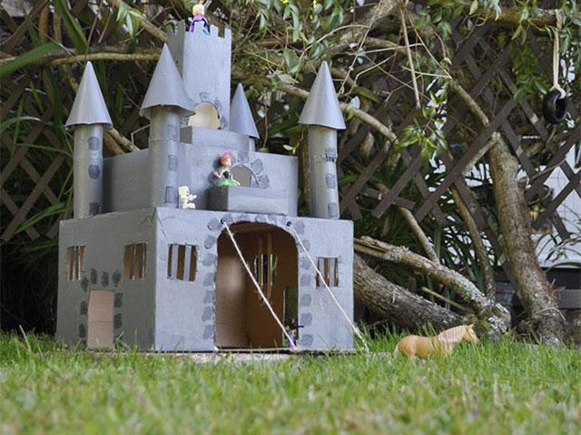Dvorac od kartona