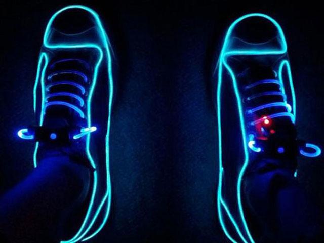 Glowing tenisice